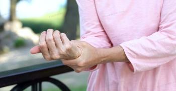 صفر تا صد بیماری پوکی استخوان (علائم و درمان)
