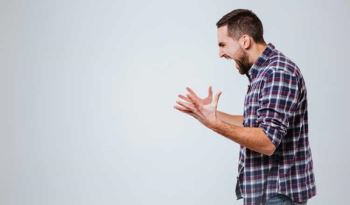 پریود مردانه چیست ؟ | همه چیز درباره پریود مردانه