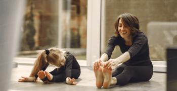 10 حرکت کششی آسان یوگا، برای سلامتی و تناسب اندام زنان