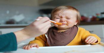 با غذا نخوردن کودک چه کنیم ؟ | راهکارهای عملی