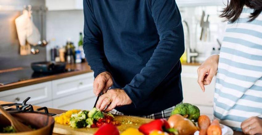 10 غذای مضر برای مغز | خوراکی های مضر برای مغز