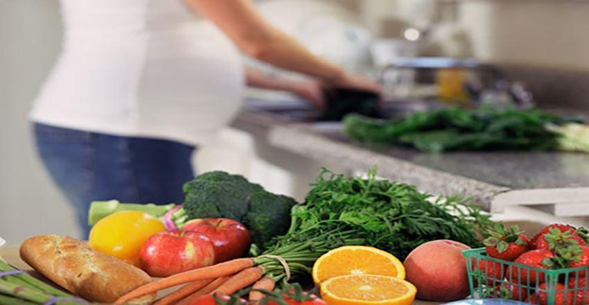 16 غذا که نباید در دوران بارداری بخورید