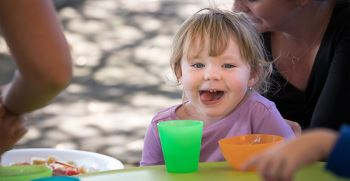 رژیم غذایی برای کودکان اوتیسم | بهترین ویتامین برای کودک اوتیسم