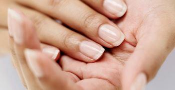علل و درمان ناخن شکننده | شکننده بودن ناخن نشانه چیست