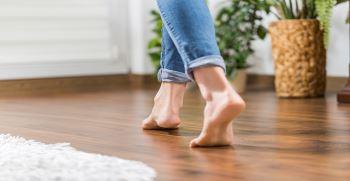 دلایل بی حس شدن پا چیست ؟ | درمان بی حس شدن پا هنگام خواب
