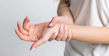 علت بی حس شدن انگشتان دست چیست ؟